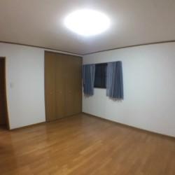 2階洋室9帖 / ( 内装 )